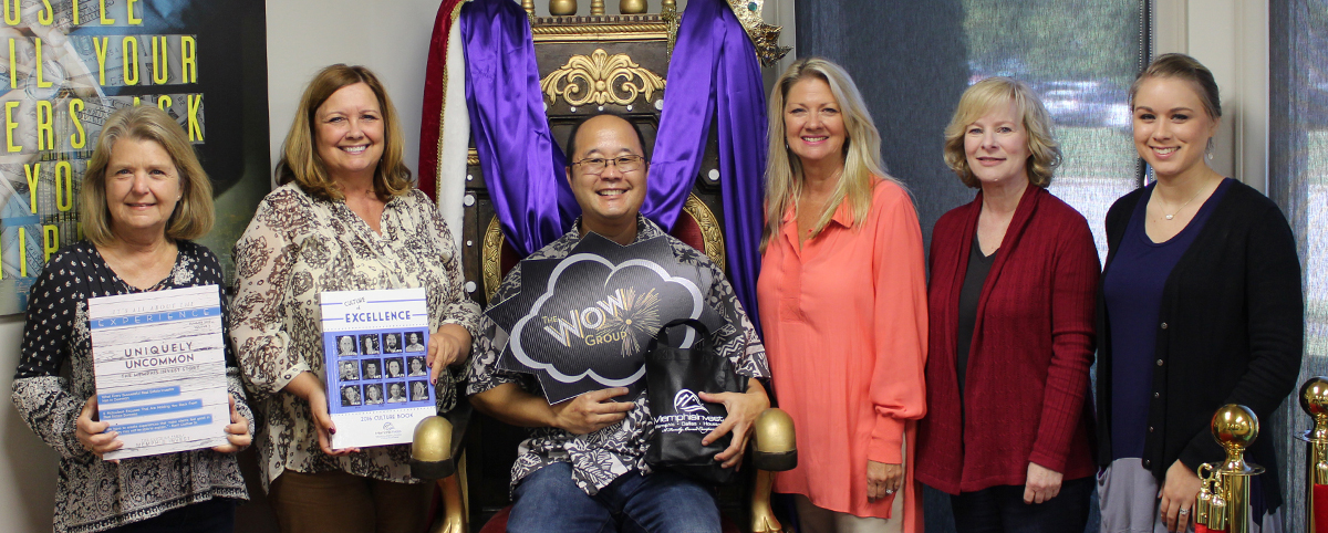 Matt & Mary Kriegsfeld Wow Group Members on throne Memphis Invest real estate investors